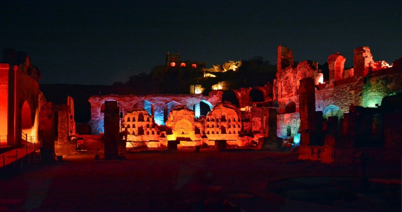 SOUND_LIGHT_SHOW_AT_GOLCONDA_FORT_HYDERABAD-banner-11.jpg