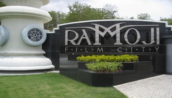 ramoji-film-city-tour1.jpg